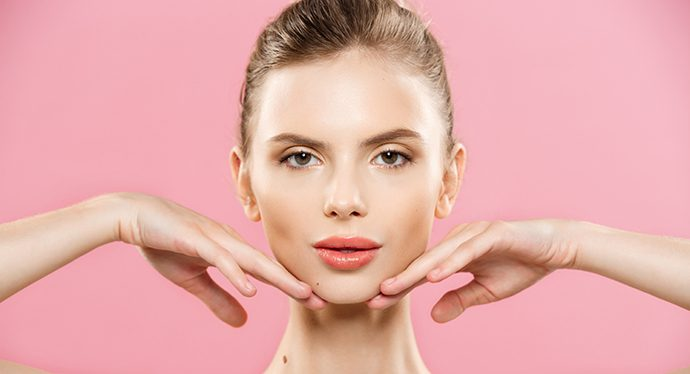 Come restare giovani: massaggio al viso