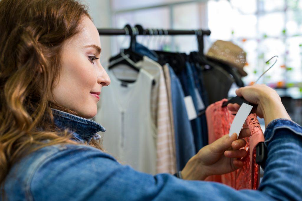 Come scegliere l'abbigliamento sostenibile