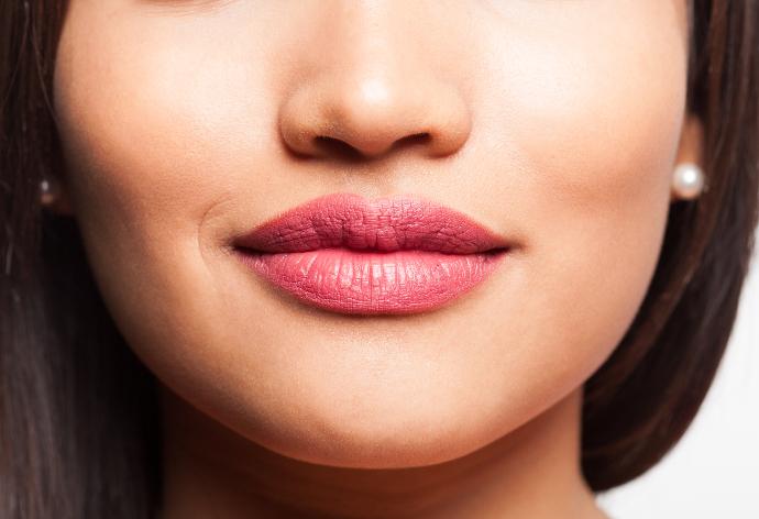 Come scegliere il rossetto secondo la forma delle labbra