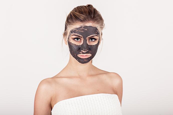 Maschera di bellezza fai da te te per pelli grasse all'argilla