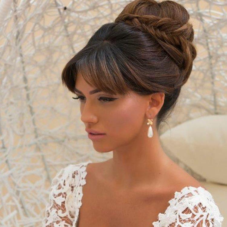 Le più belle acconciature da sposa con frangia